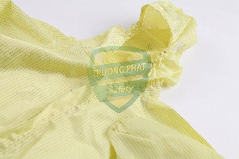 Bộ quần áo liền chống tĩnh điện màu vàng
